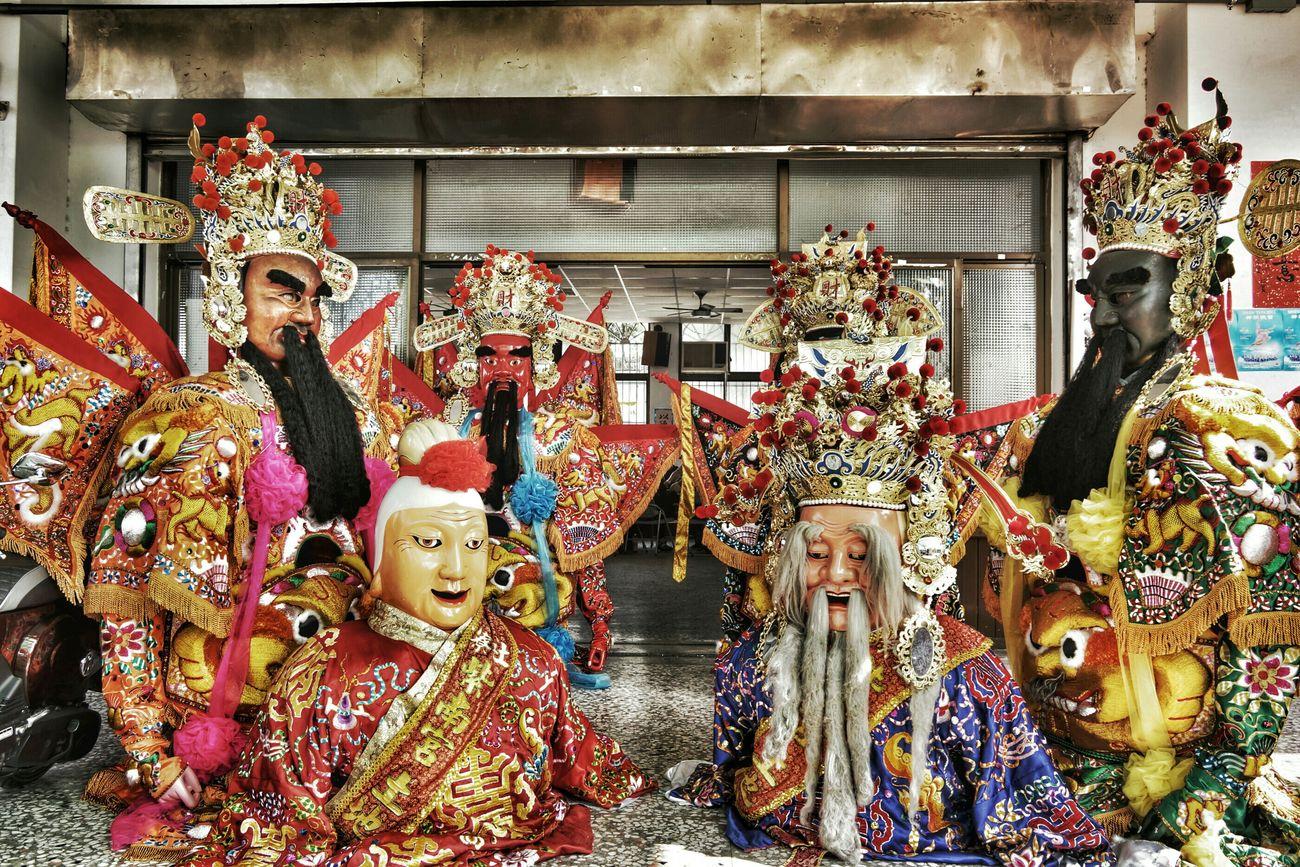 休息一下… take a break Streetphotography The View And The Spirit Of Taiwan 台灣景 台灣情 What I Saw Temple God Asian Culture