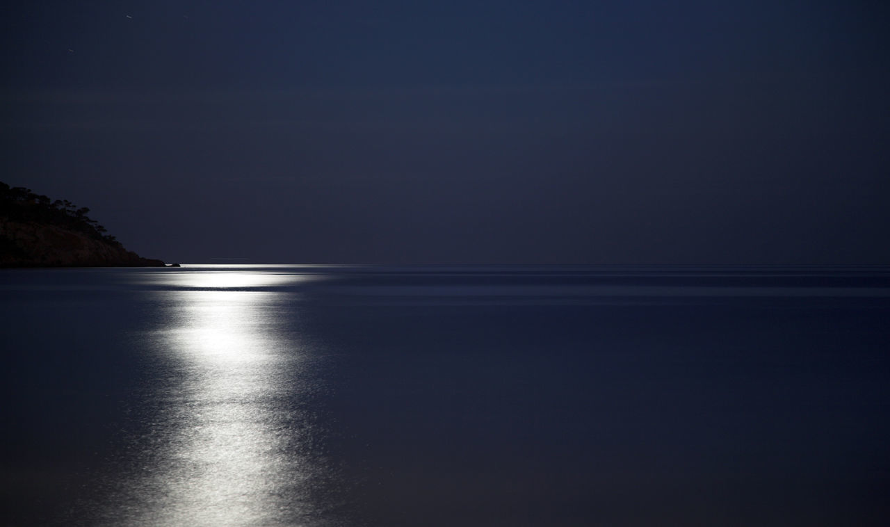 Full moon light reflections on the ocean Beauty In Nature Copy Space Dark Blue Dark Blue Sky Full Moon FullMoonLight Horizon Over Water Idyllic Moonlight Nature Night Night Photography Nightphotography No People Oceanscape Outdoors Reflection Scenics Sea Seascape Sky Tranquil Scene Tranquility Water Waterfront