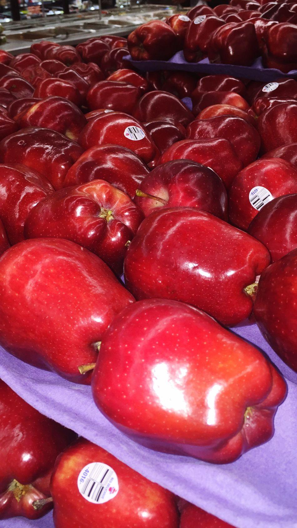 Food And Drink Red Food Freshness Healthy Eating Abundance Food And Drink Manzanas Apples Manzanas 🍎 cClose-uprRetail mMarket StallfFor SalefFull FramebBackgroundsnNo PeopledDayiIndoors fFarmer Market