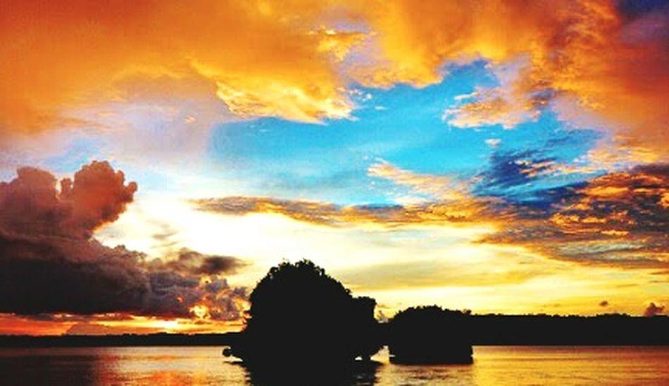 My city...sunset city... Papuabarat Kotasenja Enjoying Life Relaxing Paradise Hello World Skyporn