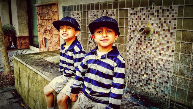 Hanging Out TWINS ♥ Movies Tonight Hello World Sunday Enjoying Life Mytwoboys Relaxing Family ♥ Outdoor Photography