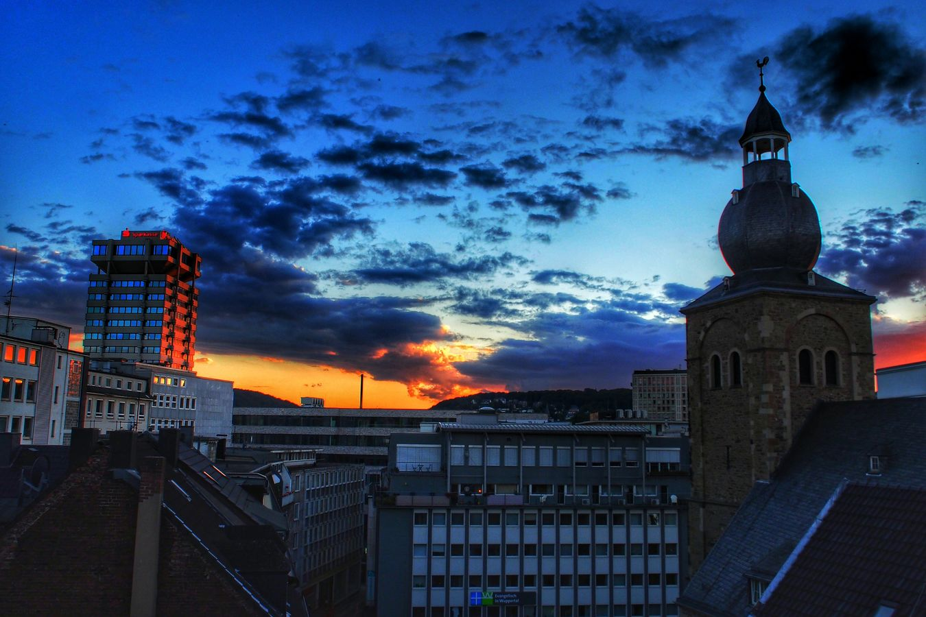 Vintage Taking Photos Hanging Out Hi! Rooftop Sunset Hobbyfotograf Olympuspenepl6 Hobbyphotography Wuppertal Elberfeld First Eyeem Photo Enjoying Life Hello World OlympusPEN Wuppertal HDR Hdr_lovers Hdrphotography