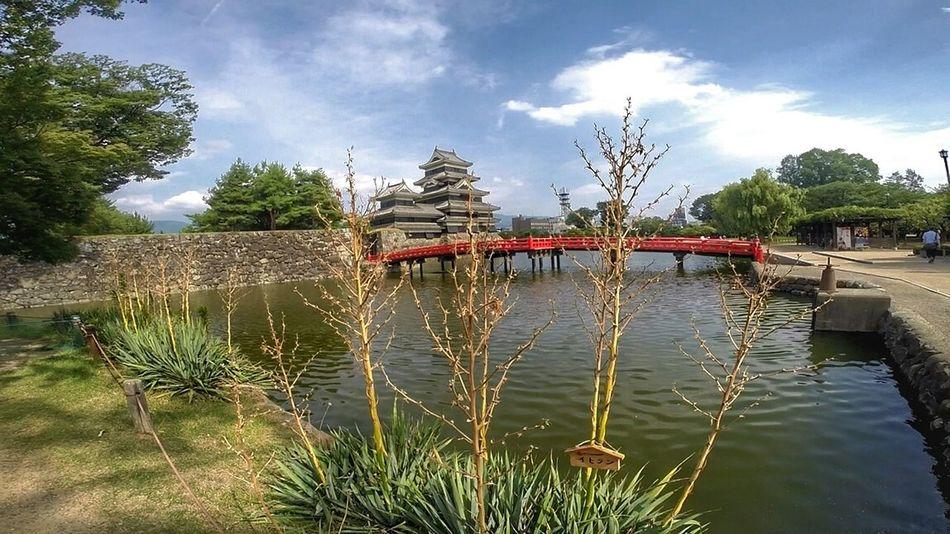 Val  LG  G5se Lgg5se Japan Japan Scenery Water Tree Sky Outdoors Nature Castle