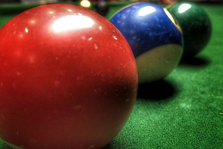 Green Color Multi Colored Snooker Snooker Ball Close-up Indoors  Day Pool Table Focus On Foreground No People Low Key HDR Sport Playing