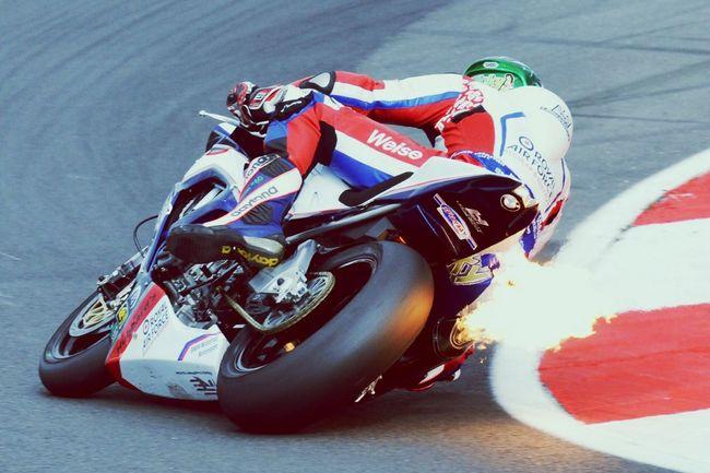 Flaming 🔥 Bmw Motorcycle Superbike Snetterton Britishsuperbikes