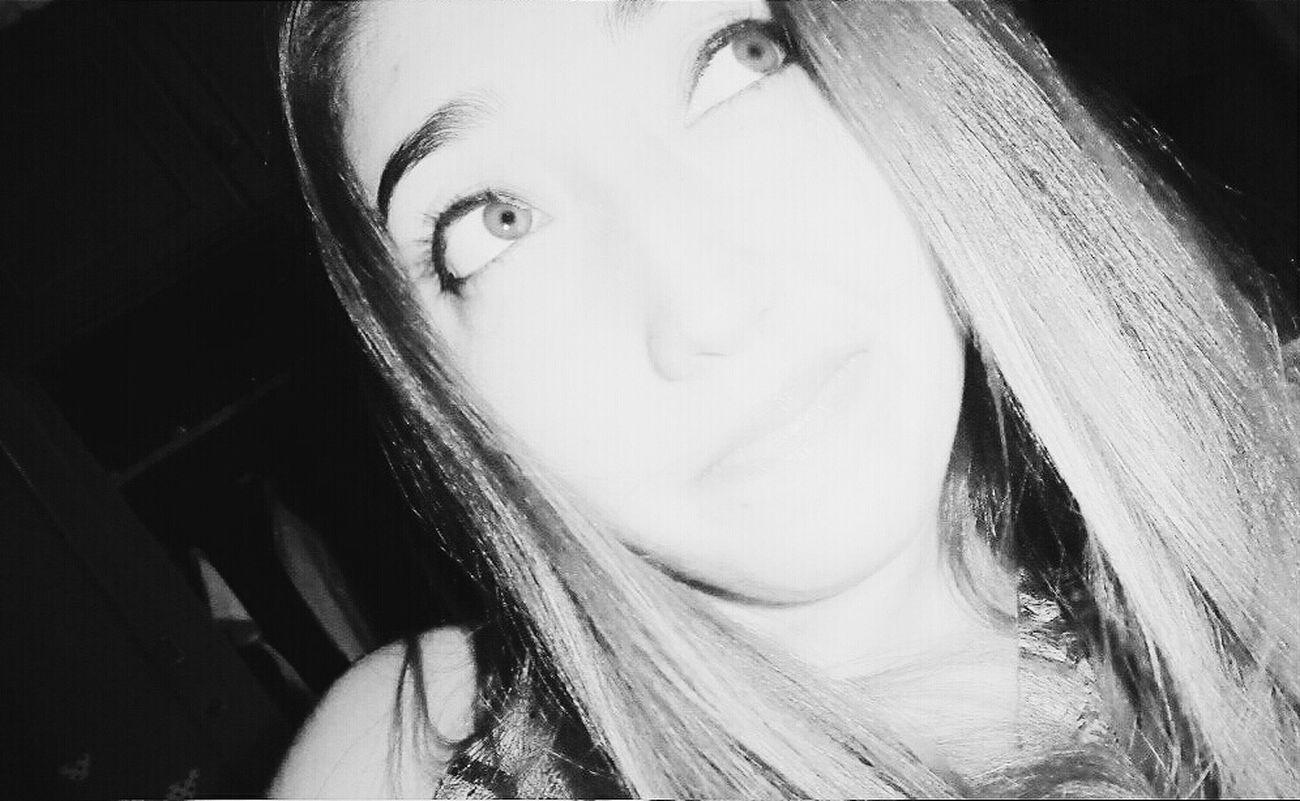 Algo en tu interior murió, la bendita luz, la que se filtro una vez y me iluminó ? me Girl Nice Eyes ★ Me