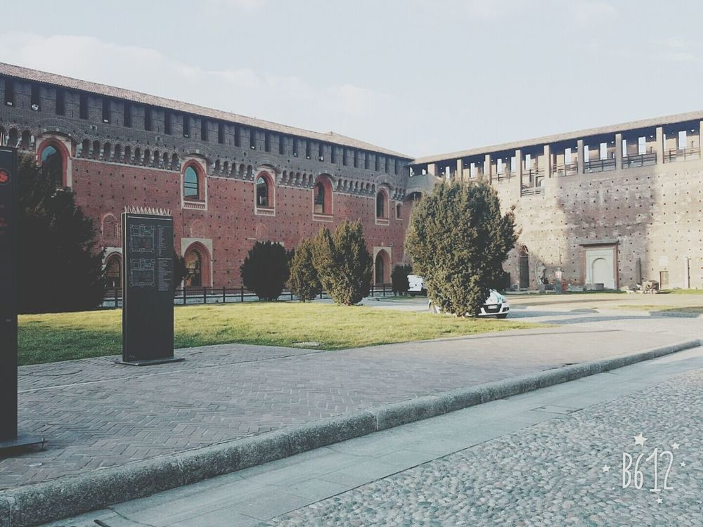 Castello Sforzesco Castello Sforzesco DuomoDiMilano Cairoli Italy❤️ Italy🇮🇹 Mybeautifulcity 😊 Love To Take Photos ❤ Castel History