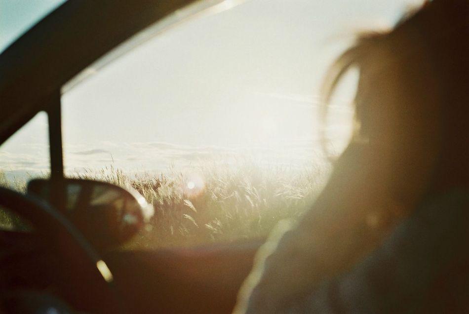 車の空間がすき。 Film Film Photography Olympus Olympusom1n Sunrise EyeEm Best Shots EyeEm Nature Lover 車 わたしの車窓から Portrait Of A Friend