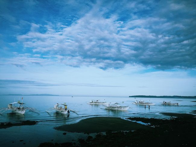 Blue morning. IPhone IPhoneography Donsol Eyeem Philippines Landscapes With WhiteWall Landscapes Of The Philippines Travel Photography Travel Boats