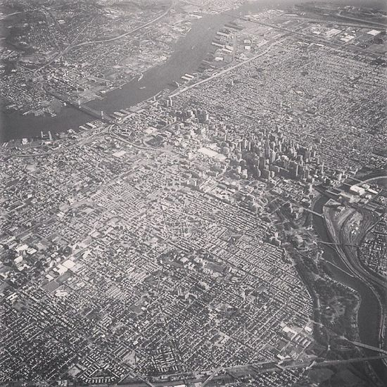 Still so in love with this picture. Throwback Planepicture City Newark Ithink