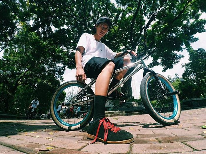 Everyone need brake for BMX. Shot : @suhastoriloaji Bmx  Badluckbmx Gspteam Brakeforbmx Onthewayfootwear Chillsnotskills