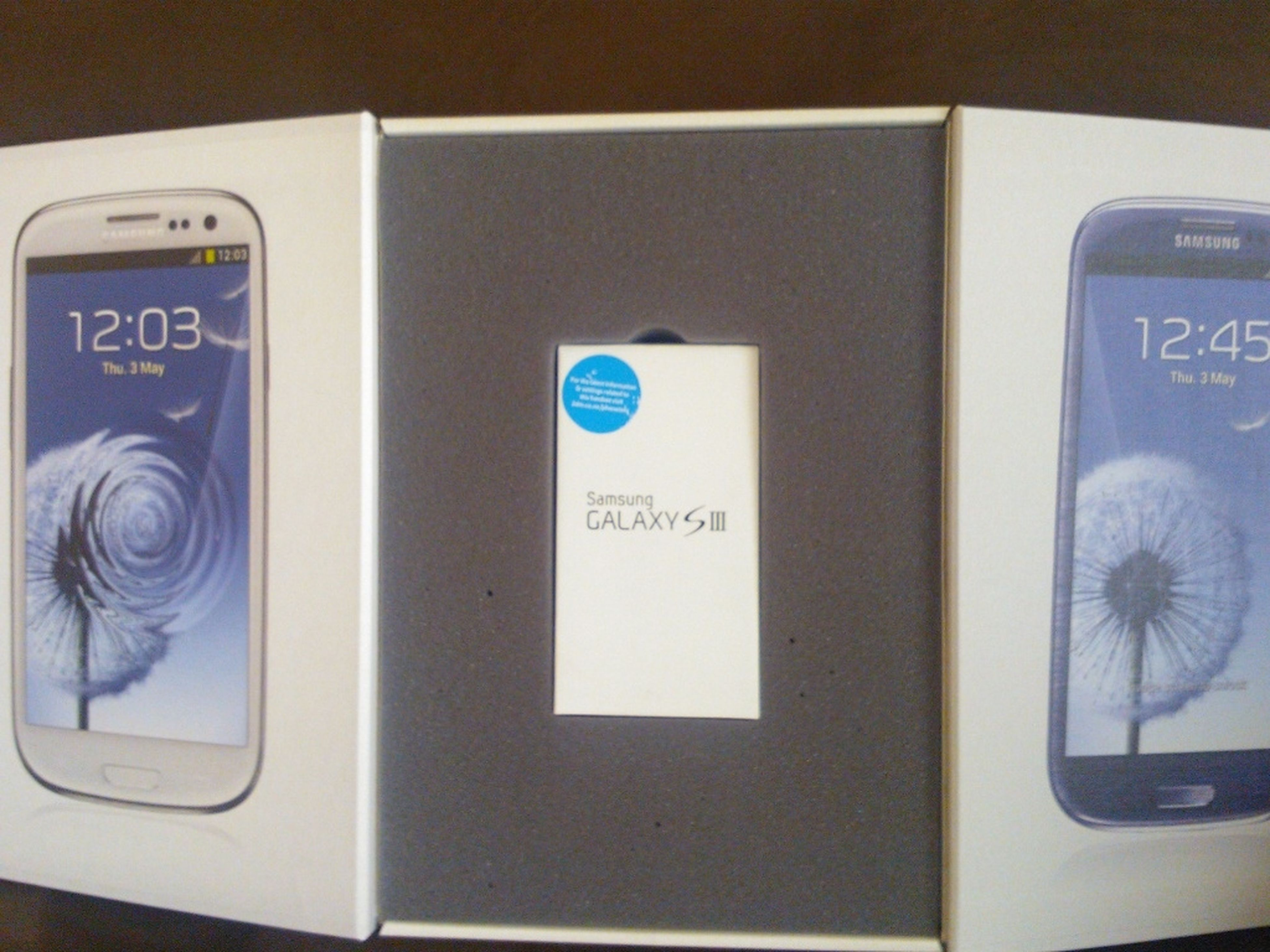 Galaxy SIII Arrived Just In Time. Like It Had Come From A Mountain Peak. Happy.