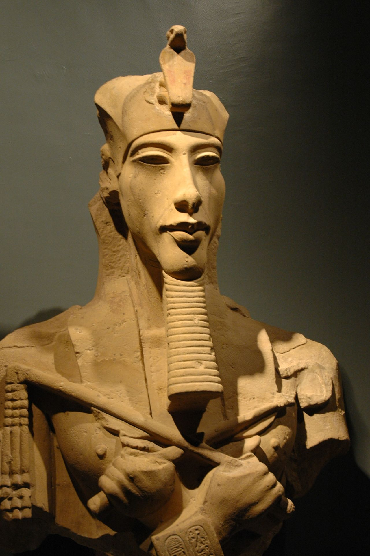 Bust of Pharaoh Akhenaten - Luxor Museum Ancient Egypt 18th Dynasty Amarna Valley Of The Kings Thebes Luxor Akhenaton Statue Art And Craft Sculpture Male Likeness Human Representation Craft History