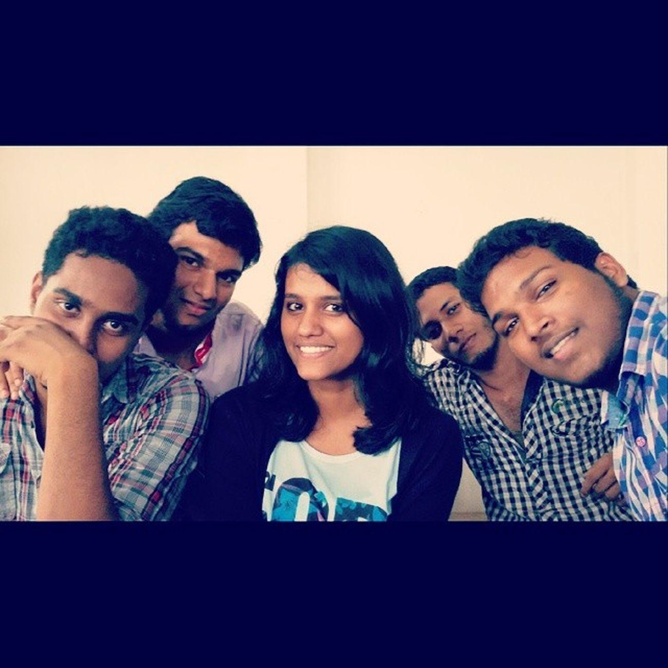 Friends Selfie Class_room