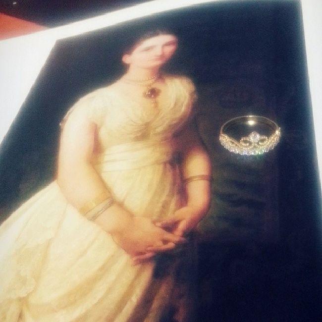 Bence bu yuzuk ona da cok yakisirdi ;) @asliimir Yüzük Ring Lady Portraitjewels Renaissance Europe Jewelrybooks Jewelry History