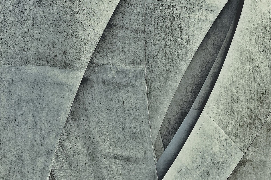 Learn & Shoot: Leading Lines Les Braves Monuments War France Architectural Detail Edited