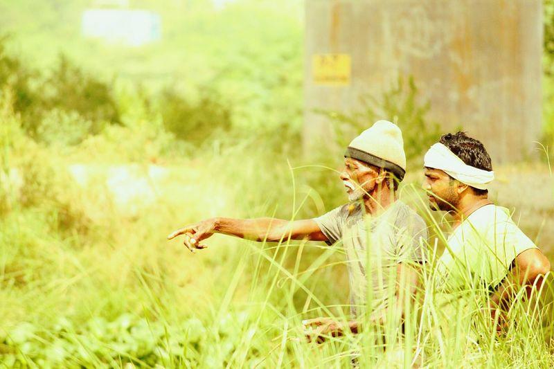 Fishermen.... Walking Around Indian Style Yamuna River Fisherman India