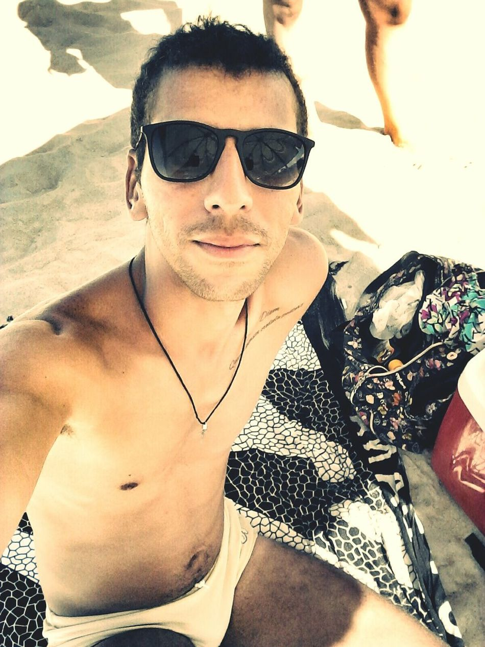 That's Me Hi! Cheese! Enjoying Life Relaxing Taking Photos Sexyguy Sexyman Sexyboy Gayboy Guy Gaysexy Lookatme Beachphotography Brasilianboy Florianópolis Mylife BeHappy♡ Summer Gaylife Prettyday  Campeche Beach Day