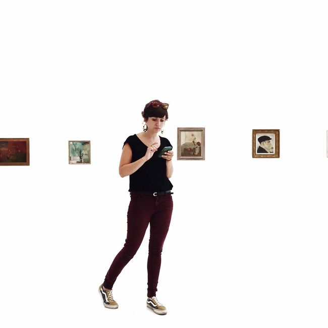 surrounded by art Makeportraits Art Inspection The Portraitist - 2016 EyeEm Awards
