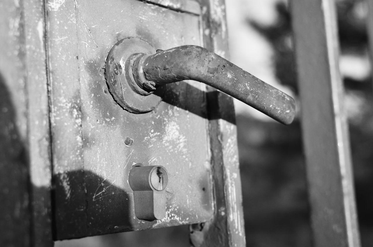 Beware... Blackandwhite Close-up Closed Closed Door Door Latch Metal No People Schwarzweiß Weathered