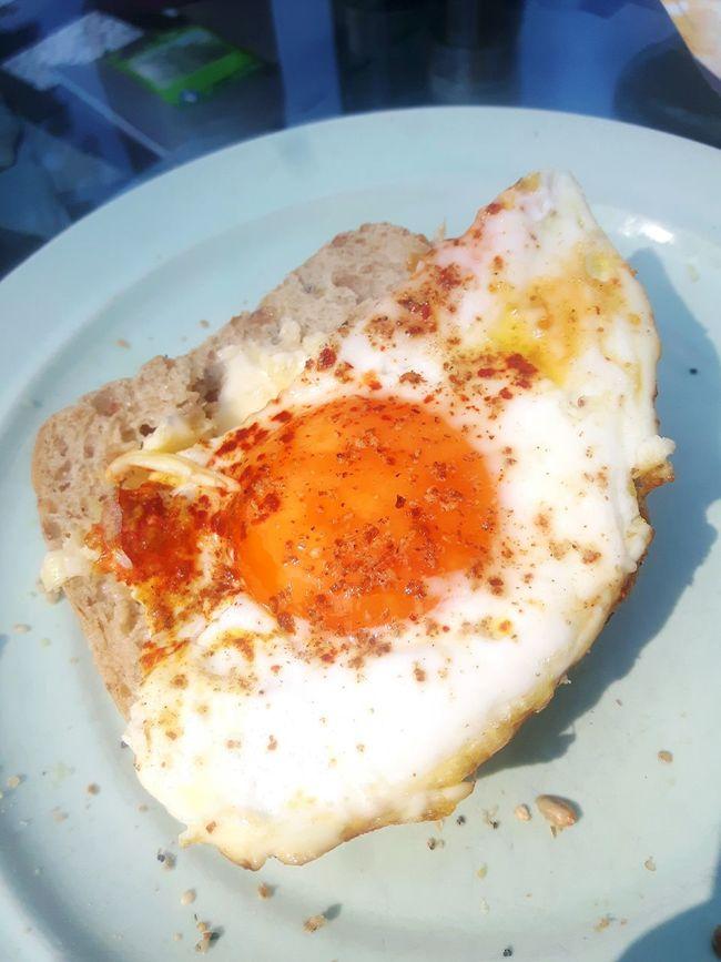 Spiegelei Fried Egg Spiegelei Spiegeleitoast Toast Breakfast Time Breakfast Home Is Where The Art Is