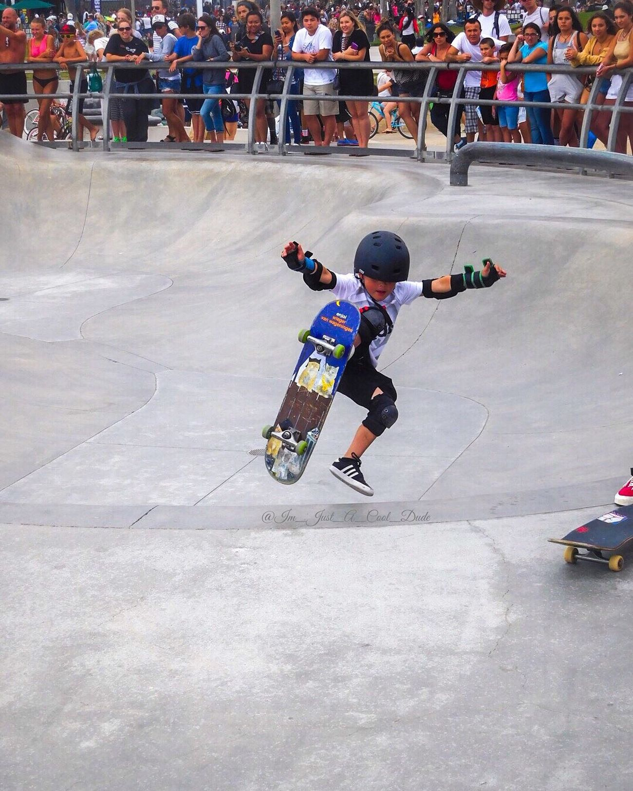 Start Em YOUNG Venice Beach Catching Air Skatepark Venicebeachskatepark Kids Are Awesome Skateboarding SkateboardLifeStyle Skateboardingisfun Skateboardphotography Talented