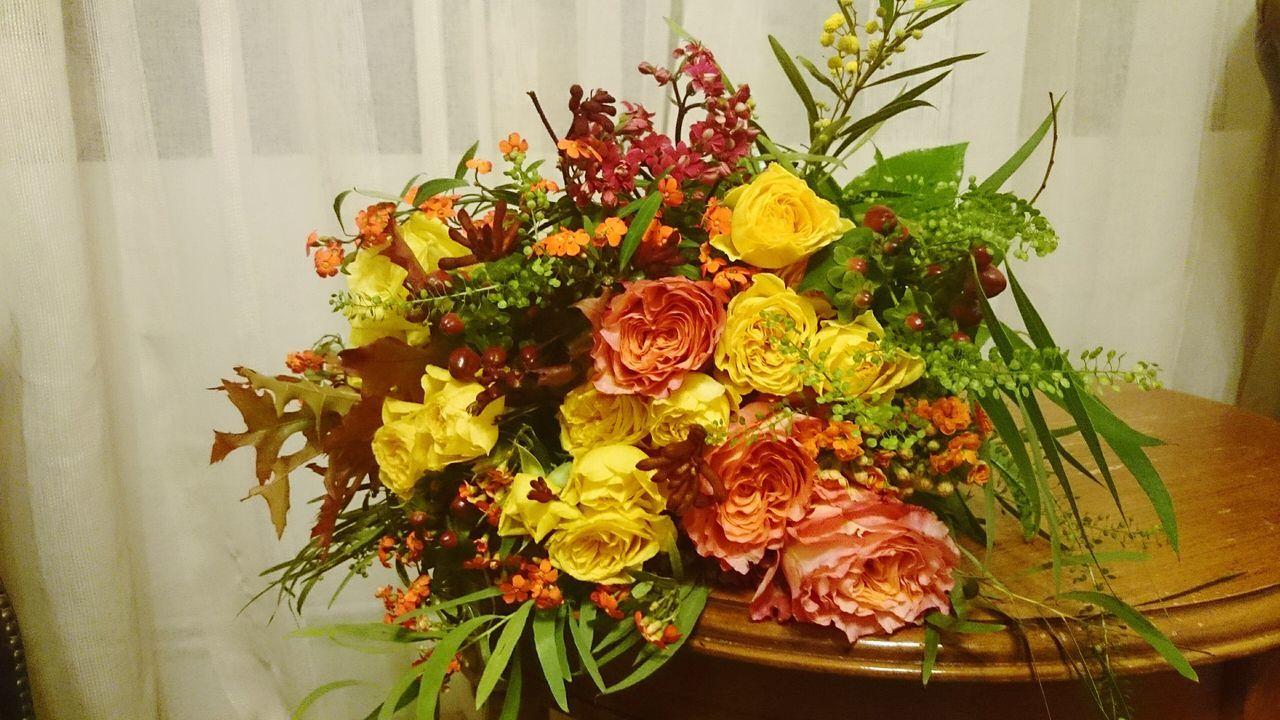 flower, freshness, bouquet, flower arrangement, indoors, vase, no people, table, leaf, rose - flower, flower head, close-up, fragility, beauty in nature, nature, food, day