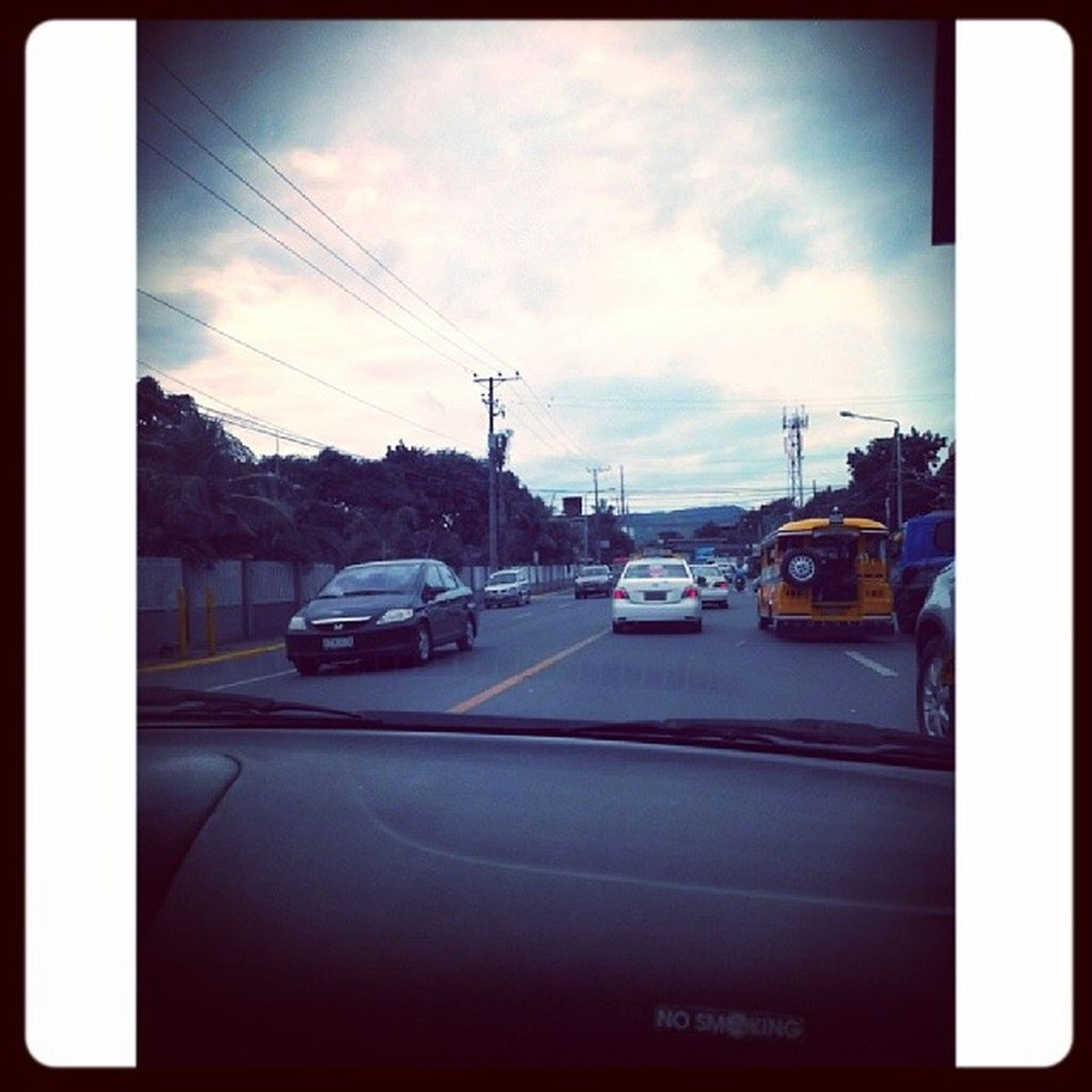 Hapsay ug linaw ang kadalanan.Lunes Monday Peaceful Uncrowded street highway cars love lifeigers igersasia Philippines Cebu Pinoy iglike iglove igdaily potd LenovoMobilePH fotodroids cool_capture latergram LitratongPinoy lenovos820 pinasshoutout vsco vscocam vscoph random randomness