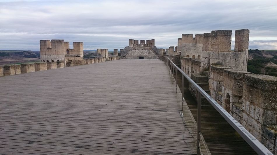 Paseando por Dentro del Castillo De Peñafiel