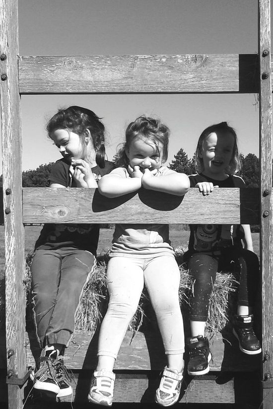 Taking Photos Check This Out Cheese! Ranch Life The Great Outdoors Black & White Friendsfamily ~An outtake of our ranch helpers~