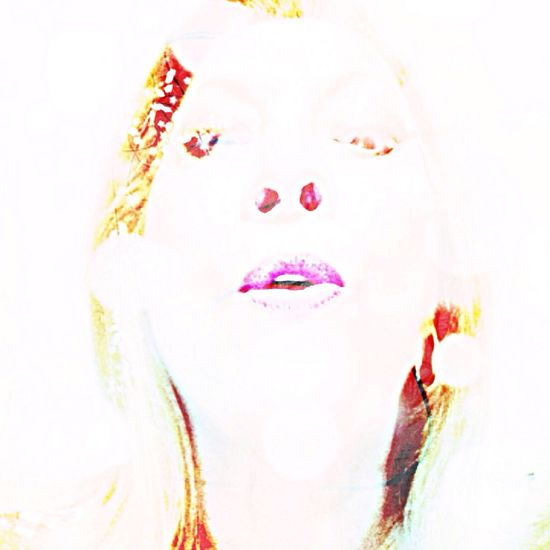 4/5 of 5 Shot Colour Splash Challenge Sometimes, not always, the contours of a self is all we see for a whole lifetime in another person. From My Point Of View NEM Self Studies Of Me? Can That Be Done Dr Nietzsche? I invite Ichinomiya san?