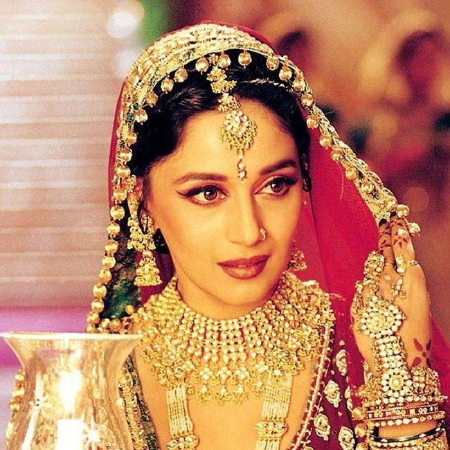 @madhuridixitnene Madhuridixit @MadhuriDixit Tere Khayaal Mein Jab Be-Khayaal Hota Hoon . . . Zara Si Dair Hi Sahi ' Bay-Misaal ' Hota Hoon. DedhIshqiya Love Life India Ishqiya