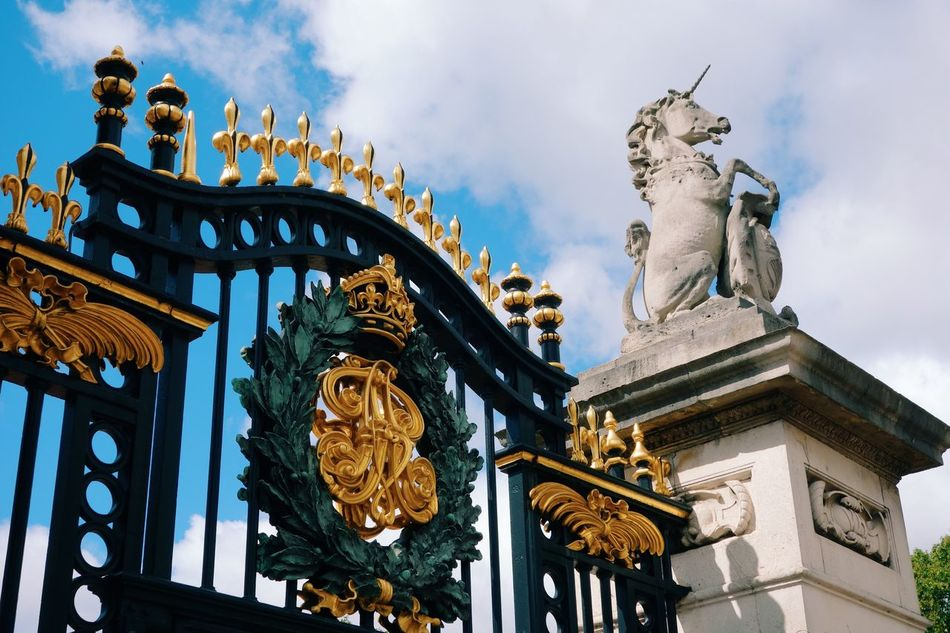 Beautiful stock photos of crowns,  Art,  Art And Craft,  British Culture,  Buckingham Palace