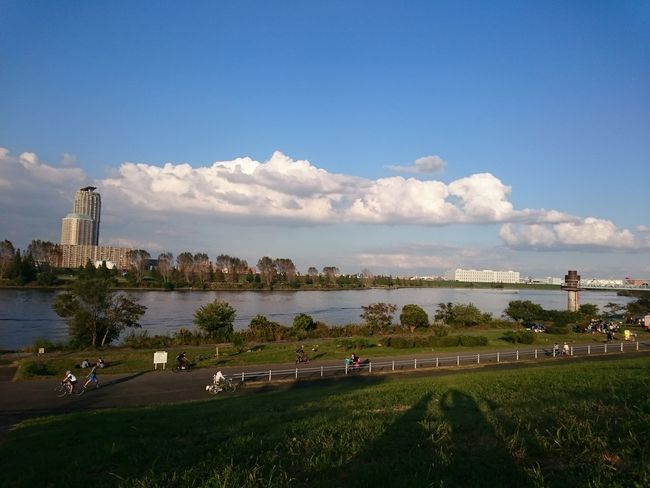 川 River 空 Sky 街 City