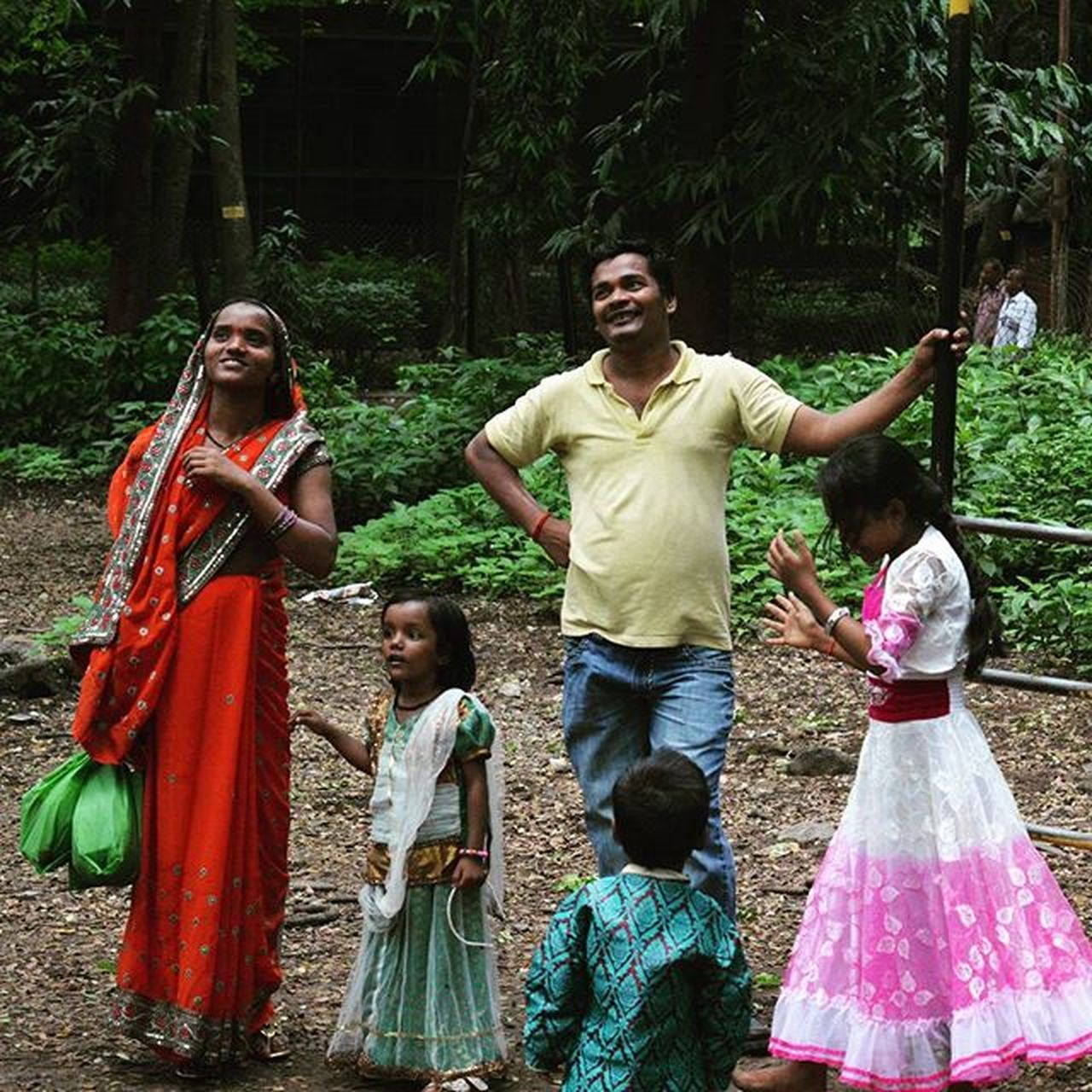 A family which plays together stays together! 😁😁 . . . Whpfilltheframe Planhatke Thehatke Ip_meet Ip_meetmumbai Indiapictures _soi Oyemyclick Indiaclicks Storiesofindia Simplicityeverywhere Vagrantdiaries Mymumbai Everydaymumbai Everydayindia Subjectsinmysquare Nothingisordinary Jj  Jj_forum Framedeuphoria Intertwinedrealms Exs_people Maibhisadakchap WHPexpressions