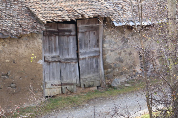 Door Built Structure Architecture House Building Exterior Business Finance And Industry Rustic Outdoors Rustic Architecture Grange Mur Abandoned