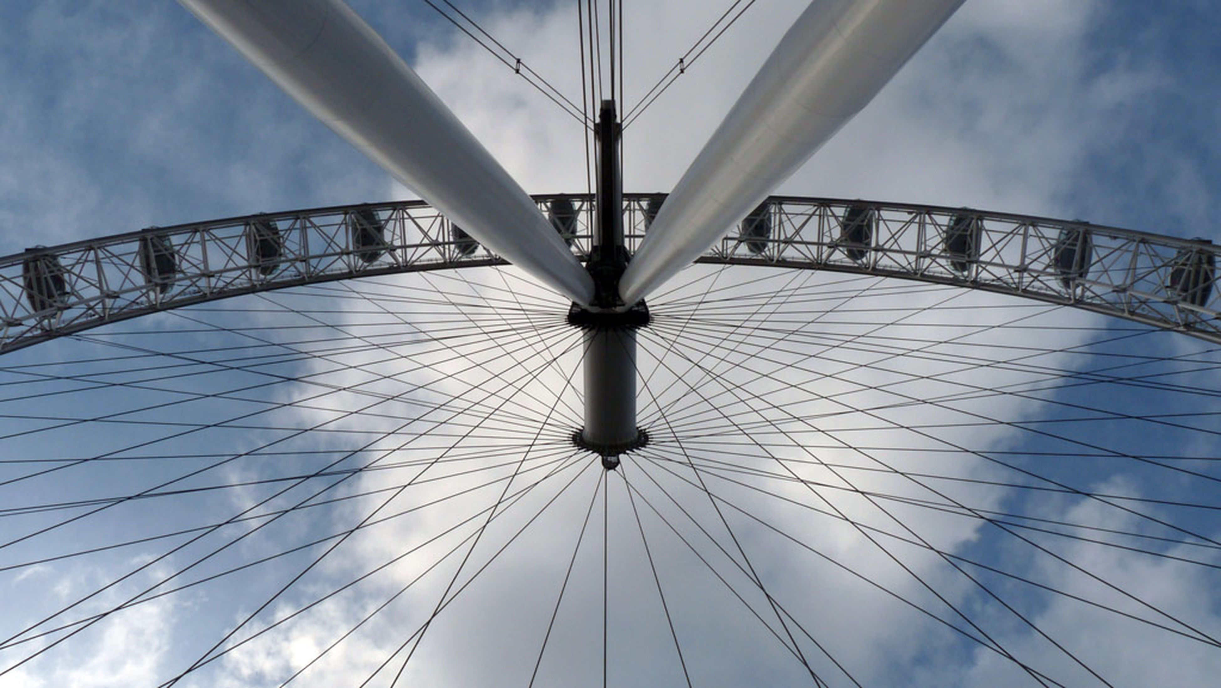 Symmetrical London Eye Right Between The Legs Looking Up