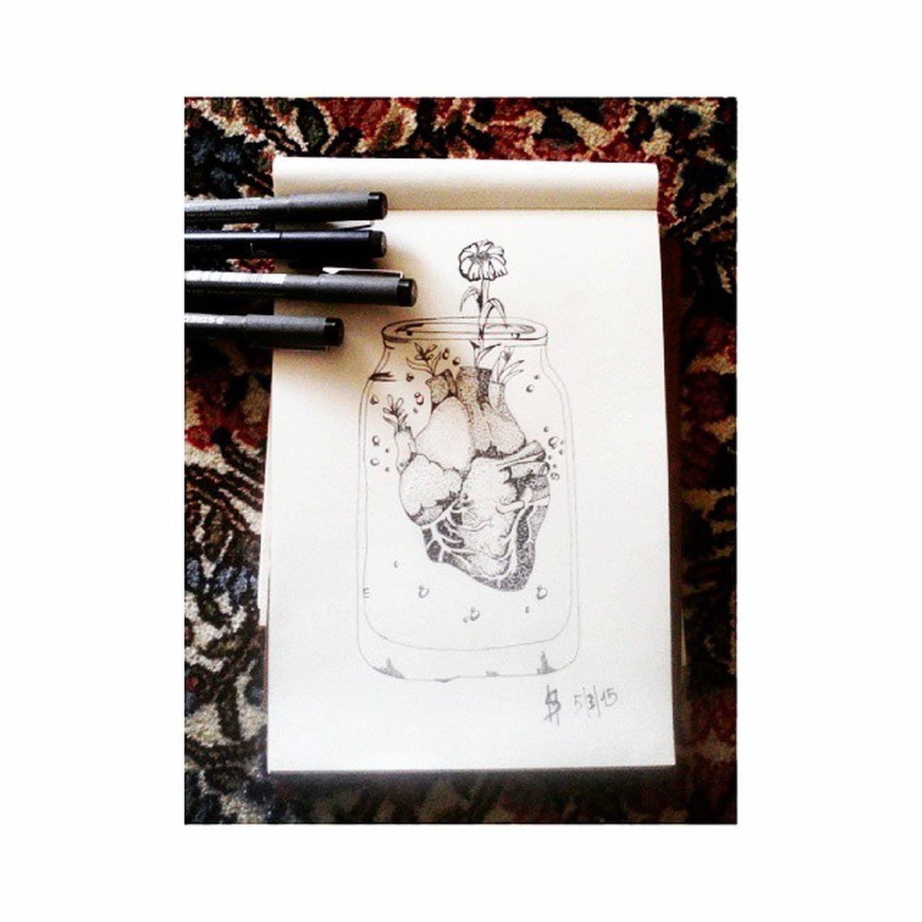 Un altro mondo. ✏❤ Unamatitaeunfoglio Heart Flowers Plants Instalove Instaheart Instalovely Instaflowers Instaflowers Likeforpaint Likeforlike Likeforfollow Followforfollow