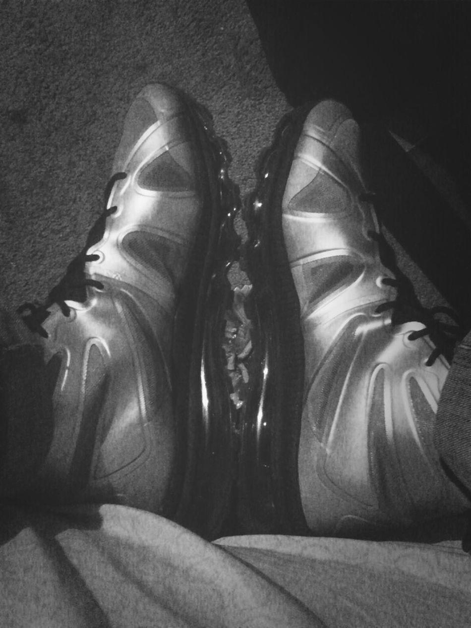 Walk Ah Mile In My Shoes #KOTD