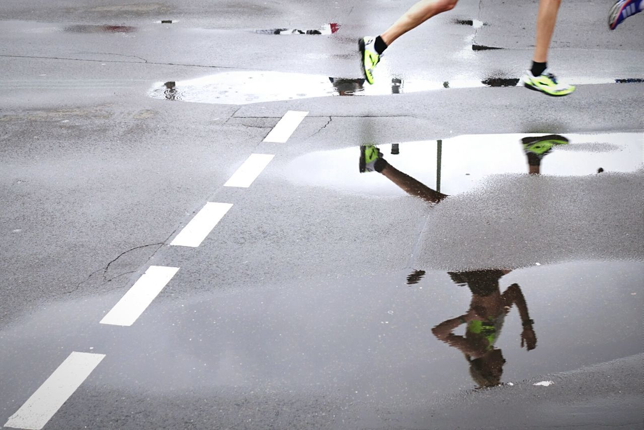 Fast ones Open Edit Puddle Puddlereflection Berliner Halbmarathon On The Move Reflected Glory Crystal Clear Capturing Movement