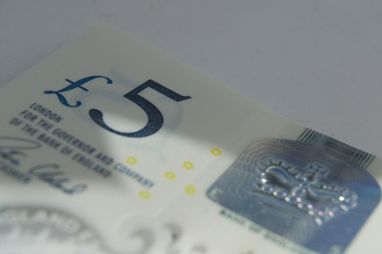 New five pound note - I still find these plastic notes a bit of a novelty! Blackandwhite British Close-up Crown Currency Day Exchange Rate Five Pound Note Five Pounds Horizontal Indoors  Light And Shadow Macro Money New No People Plastic Pound Shiny £5