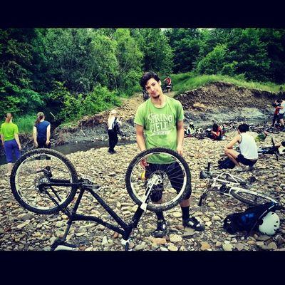 Спустились. Грязные и довольные Freeride MTB Bike