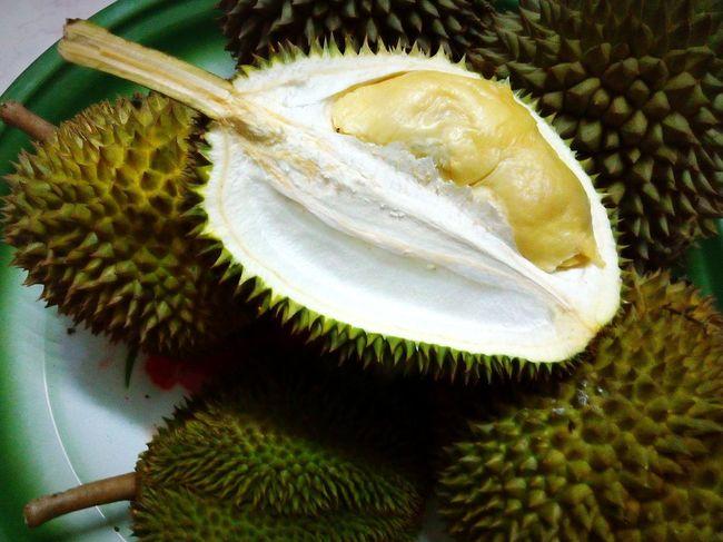 Dapat tak tunggu siang dah.. muahahaha Durians EyeEm Malaysia Fruitporn Tropical Fruits Fresh Fruits Nyumnyum Enjoying Life Juicy Fruit