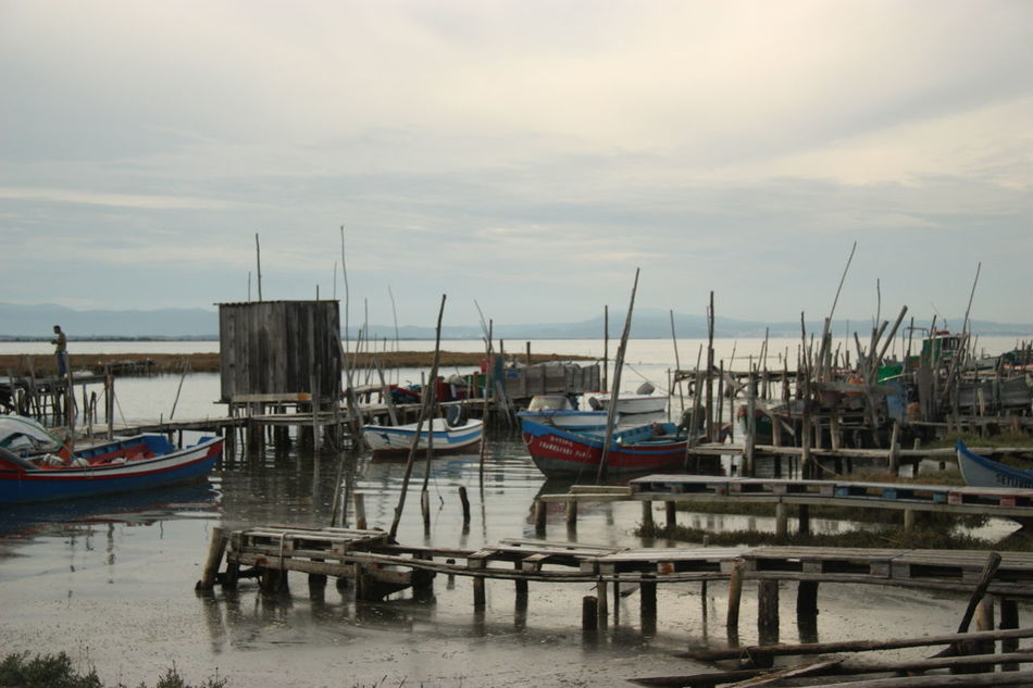 Pier #boat #cais #carrasqueira #deck #doca #docks #fishing #freshfish #pesca #sea #Woodpier Water