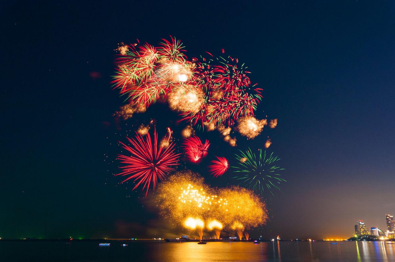 Beautiful stock photos of feuerwerk, Arts Culture And Entertainment, Blurred Motion, Celebration, Chon Buri