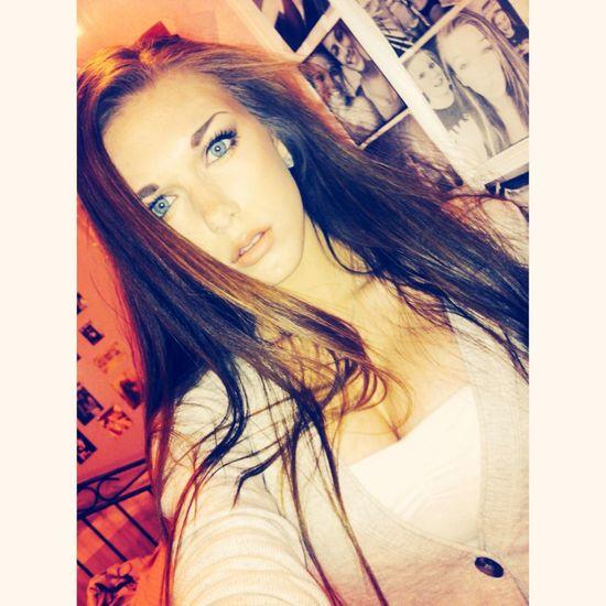 Feeeelin modelyyy Selfie Makeup Beauty