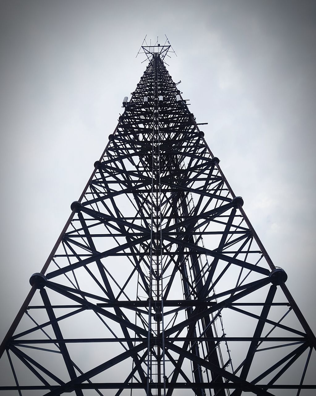 tower, low angle view, no people, sky, day, outdoors, architecture