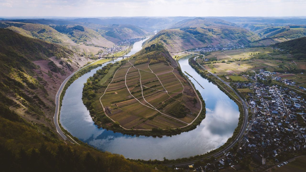 U-turn Mountain Nature Day Scenics Landscape Beauty In Nature Tranquility Tranquil Scene Outdoors No People Physical Geography Sky Water Germany Mosel