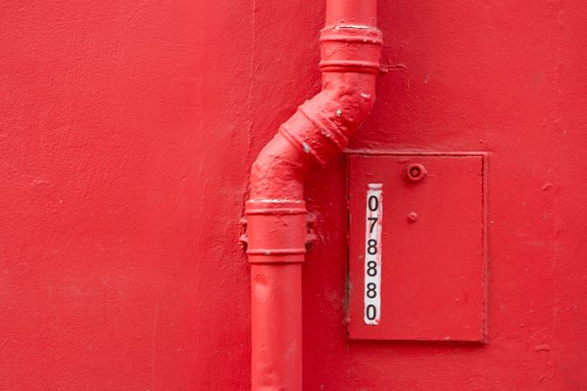 Perfect Match Red Wall Streetphotography Minimalism