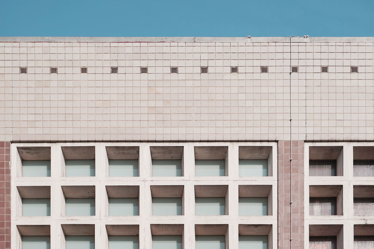Architecture Building Exterior Clear Sky Façade Geometric Shape Geometry Minimalism Simplicity Symmetry